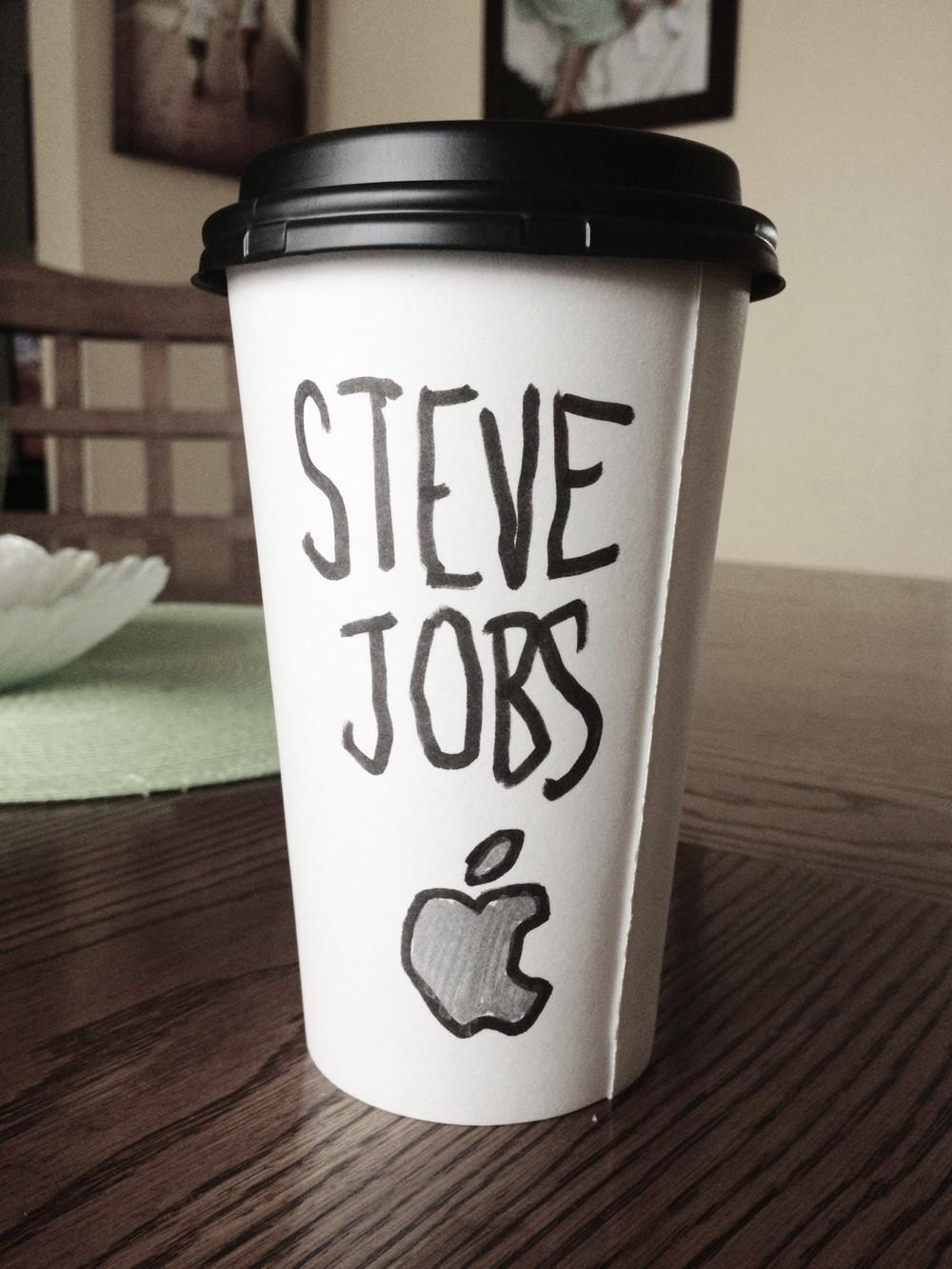 steve-jobs-cartoon-coffee-cup-name-apple.jpg